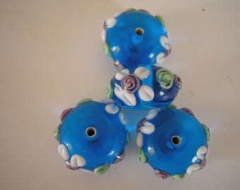 Set of 4 blue pattern glass flowers 15 mm round beads