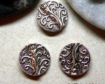 10 round metal beads tree pattern carved color argentee13mm diam.