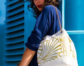 water lily bucket bag