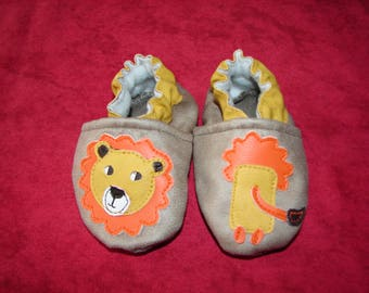 """Booties """"Leo the lion"""""""