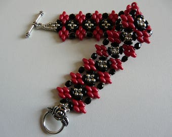 "WOVEN BRACELET ""THE RED AND BLACK"""