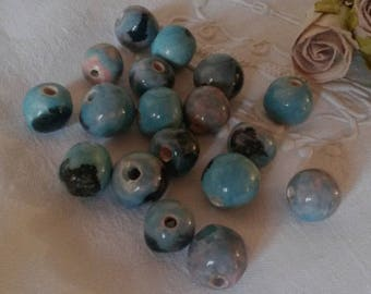 Set of 18 Blue ceramic round beads