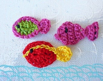 "set of 3 fish multicolored crocheted 3-5 cm (1.18 ""to 2"")"