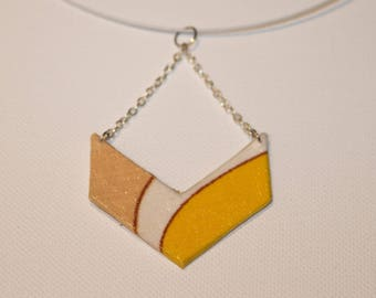 Pendant in yellow, beige and white fabric