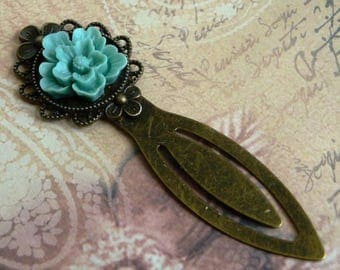 Turquoise, bronze flower bookmarks (blue, green)