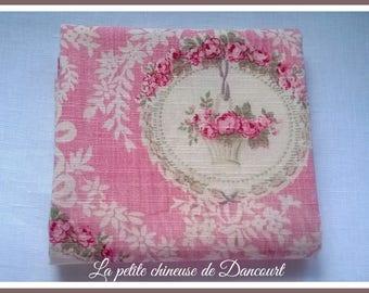 Coquecigrues cameo roses fabric coupon
