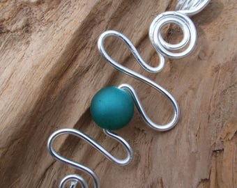 Beautiful Turquoise satin Pearl and silver aluminium pendant