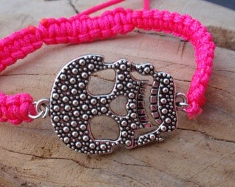Bracelet pink neon and silver cord shamballa. Argentine Brazilian skull... Adjustable.