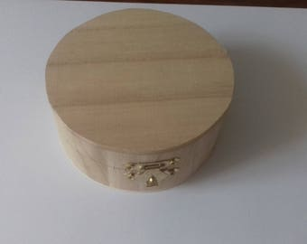 Natural wooden round box