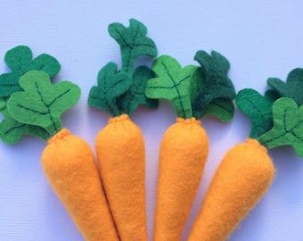 Felt vegetables: carrots