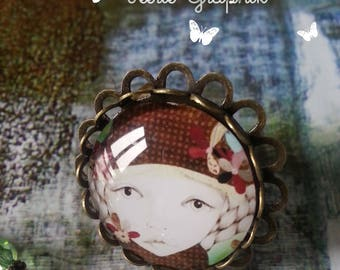 "Bronze flower ring and cabochon reproduction ""Girl with hat"""