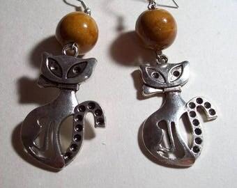 pair of silver cat earrings