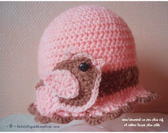 Baby: CAP or hat pink and taupe with small bird 12/18 months