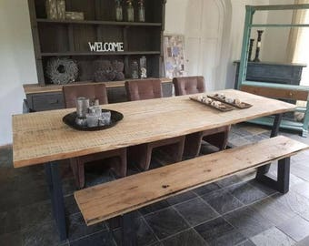 Trunk table with steel base