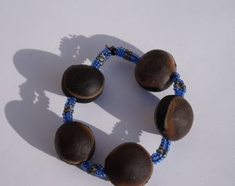 Bracelet with Bull's eye seeds and seed beads