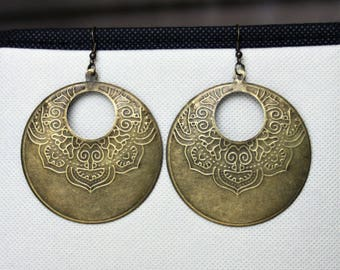 Bronze colored metal earrings