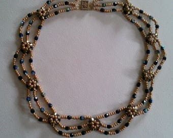 Stunning Choker necklace black and gold