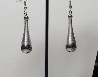 Trumpet silvery Hematite earrings
