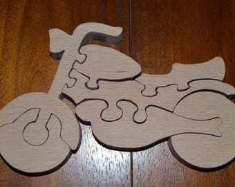 7 piece puzzle of a motorcycle made of beech wood