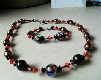 set (necklace and bracelet) summer, thin, colored (black, gold and red)
