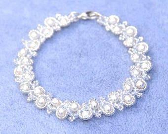 Crystal and Pearl Bracelet, Crystal Bracelet, Pearl Bracelet, Gift for Her, Wedding Bracelet, Bridal Bracelet, Mothers Day Gift, White Pearl