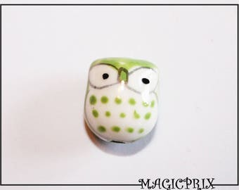 Set of 2 porcelain OWL green 17 mm x 15 mm m2595 beads