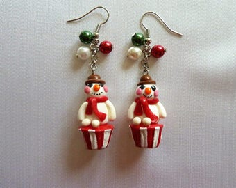 Christmas earrings snow snowman cupcake red white green glass beads