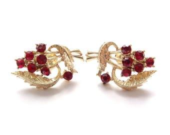 FREE DELIVERY! Vintage 1950s CORO Red Rhinestone Flower Bouquet Screwback Earrings