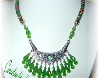 Necklace ethnic bib, glitter and green Crystal beads