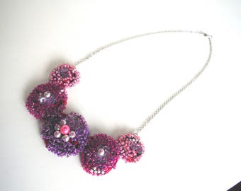 glass beaded necklace and not in shades of pink/violet necklace