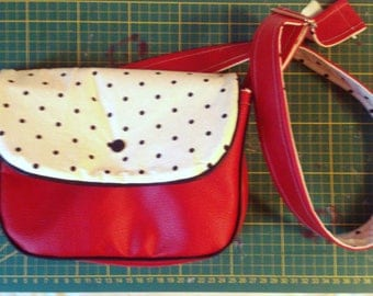small handbag (23x18cm) cherry red faux leather and white fabric and black polka dots