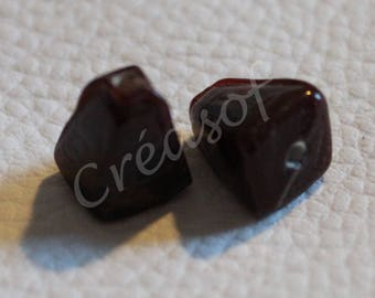Set of two pyramids chocolate color glass