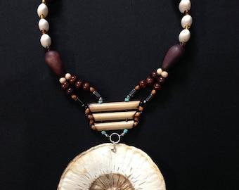 "Necklace ""fruit bread"" Afro-Apache"