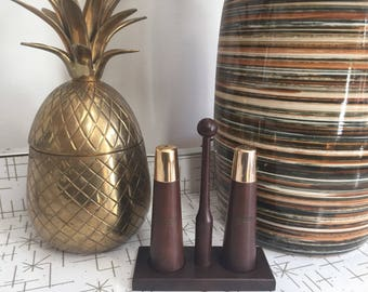 Gorgeous MCM style salt and pepper shaker set
