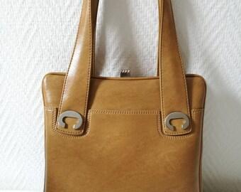 Vintage 70s camel handbag