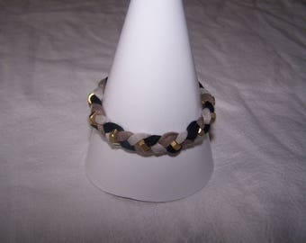 Bracelet with jersey and nuts Golden, Brown and black tones