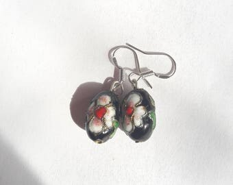 Vintage Black Bead Flower Earrings
