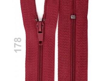 Burgundy nylon closure size 20 cm