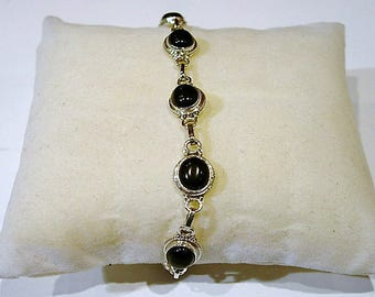 Bracelet in silver and Black Onyx stone.