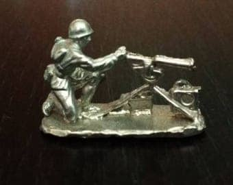 Tin Toy Soldiers, Set of 4 Allied forces, Second World War, 27mm 1/72 Scale, Made in USSR