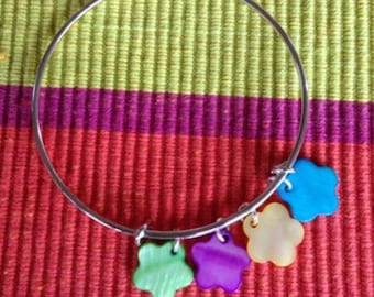 Bangle Bracelet with silver charms of Pearl (green, Fuchsia, yellow, turquoise).