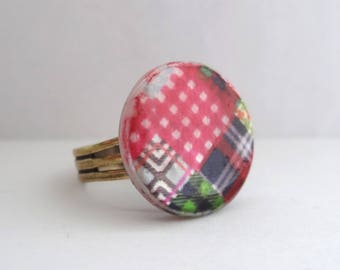 Colorful patchwork pattern vintage button ring