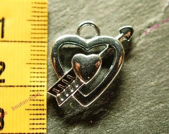 heart arrow charm in silver pendant