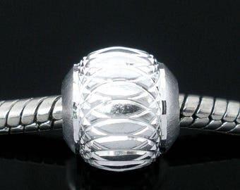 Perle European silver grey and silver filigree