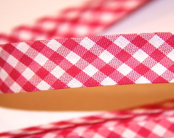 18MM FUCHSIA GINGHAM POLYCOTTON FABRIC AND WHITE