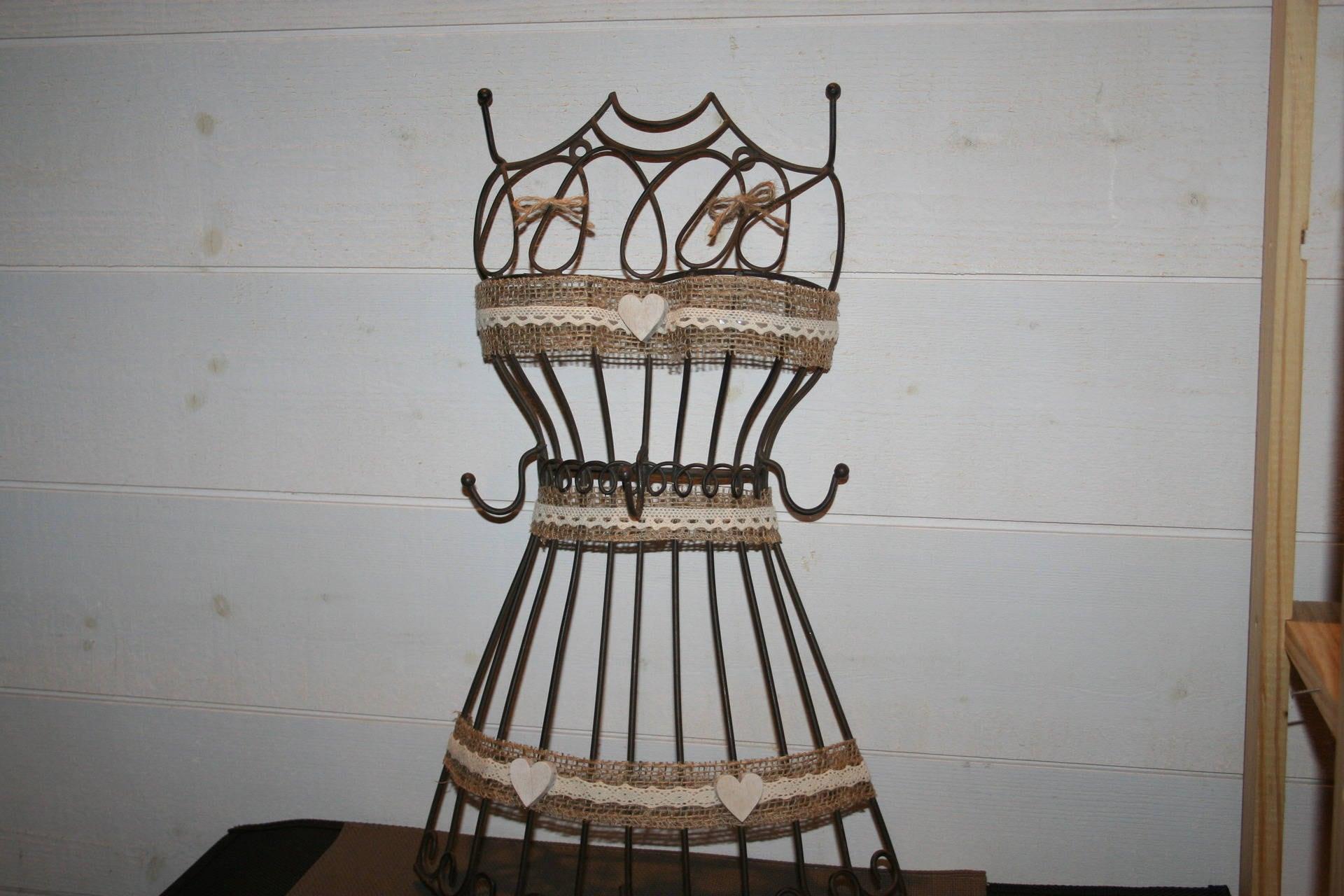 accroche cl s ou torchons ou serviettes buste en fer forger. Black Bedroom Furniture Sets. Home Design Ideas