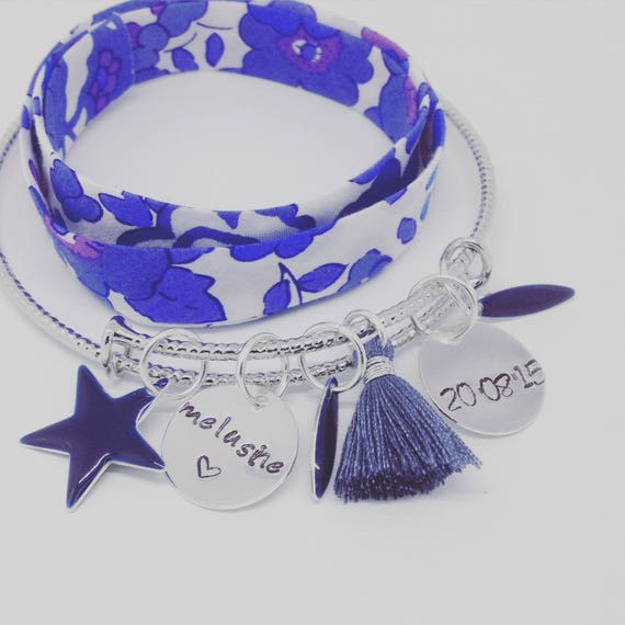 "Personalized Bracelet Bangle silver PETALS with 2 customizable prints ""Hello love"" by Palilo"