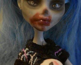 "OOAK Monster High repaint ""Jacqueline Frostbite"""