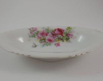 Small porcelain dish with roses