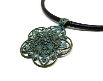 Leather jewelry for women!Boho leather necklace!Gipsy chocker necklace!Nice gift for girls and women!Green pendant  necklace!